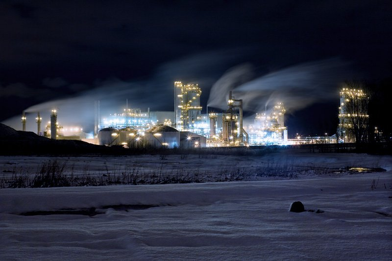 MTL_refinery_snow